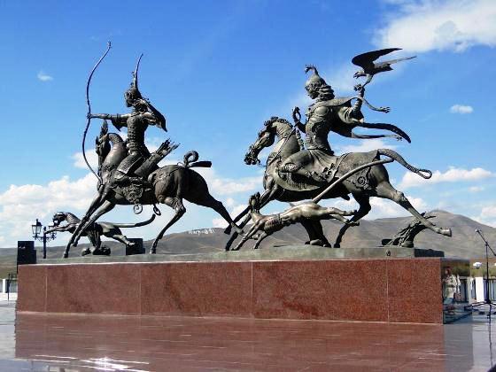 Памятник с сердцем Ак-Довурак Мемориальный комплекс из двух видов гранитов Владимир